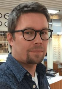 Manu Kostiainen - Optikko